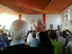 Assembleia contou com fiéis das quatro paróquias da cidade.