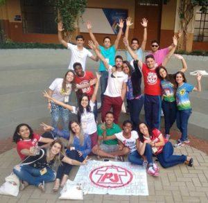 Jovens da PJ Diocesana mostram alegria e descontração durante a semana